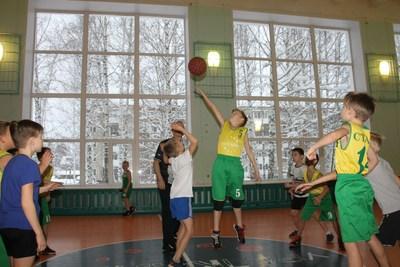 Закончились групповые этапы игры Школьной Баскетбольной Лиги